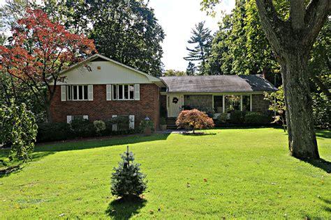 11 the oaks roslyn estates ny 11576 2712006