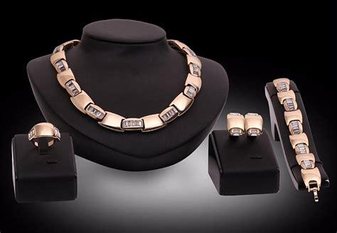 come comprare oro in come scegliere gioielli in oro gioielli shop