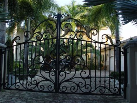 25 best ideas about iron gates driveway on