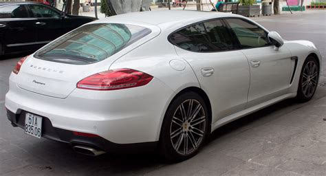 porsche view file porsche panamera 970 facelift rear view jpg wikipedia