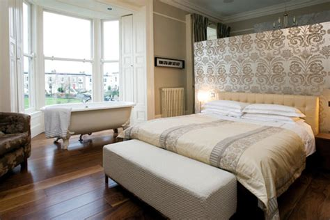 freestanding bathtub   bedroom  clear separation