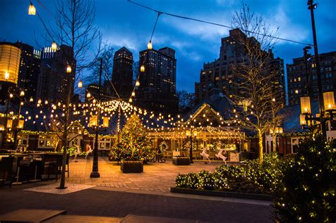 scenes of christmas in new york city