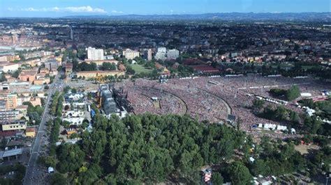 concerto vasco concerto vasco la marea di fan modena park vista dall