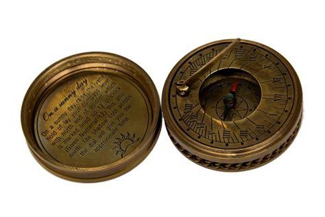 Kompas By Shops kompas i zegar s蛯oneczny z ornamentem drucianym snob shop