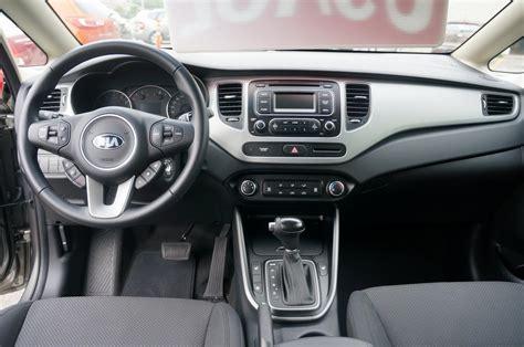 2014 Kia Carens LX Overview & Price