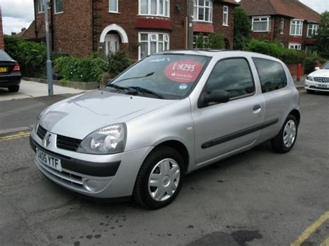 2005 Renault Clio Photos Informations Articles