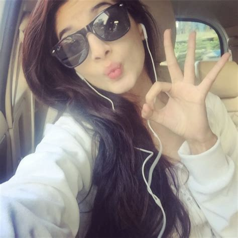 celebrity pout pics top 6 pakistani celebrities who love to pout for camera