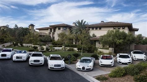 pacquiao car collection boxer floyd mayweather and his obsession for exotic cars