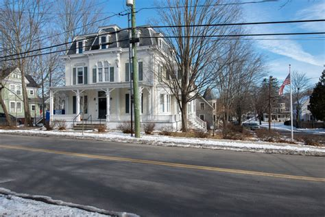 Apartment Downtown Portsmouth Nh 229 Miller Avenue Portsmouth Nh Apartment Finder
