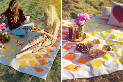 design love fest britt bass 20 perfect picnic blankets you can buy or diy brit co