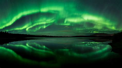 wallpaper aurora beach lake northern lights panorama