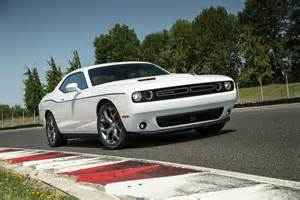 2015 Dodge Challenger Photos 2015 Dodge Challenger Sxt Plus Front Three Quarter 02