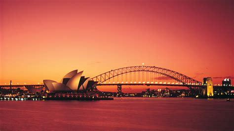 gold wallpaper sydney studere i australia med kilroy