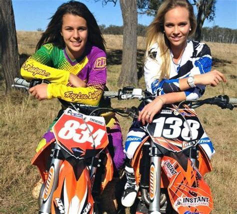 pro female motocross riders women motocross riders cheyenne taylor and alexa whyte