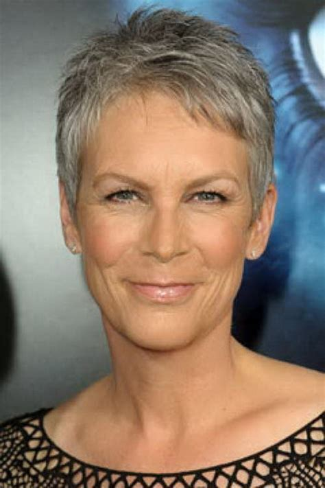 mature carefree hairstyle best short haircuts for older women