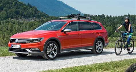 All New Volkswagen Passat Alltrack Launched with 4 Engines
