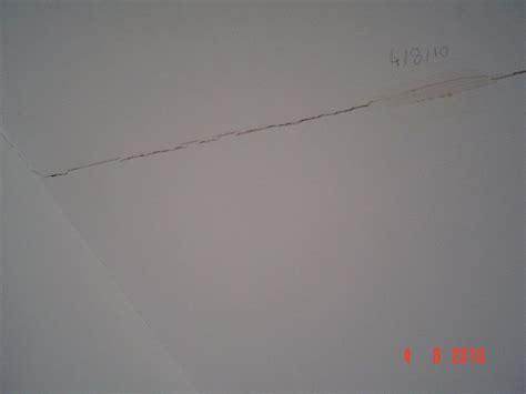 Fissure Plafond Platre by Fissure Au Plafond
