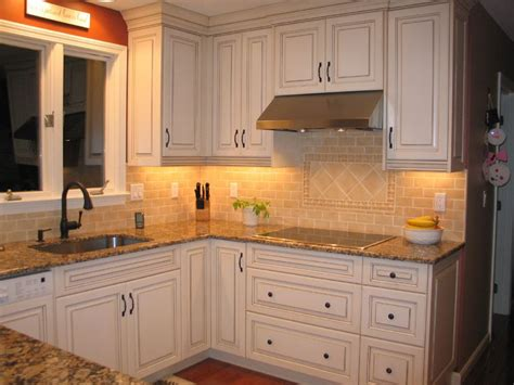 lights on kitchen cabinets cabinet lighting options designwalls com