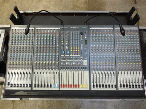 Mixer Allen Heath Gl2800 allen heath gl2800 32 image 582768 audiofanzine