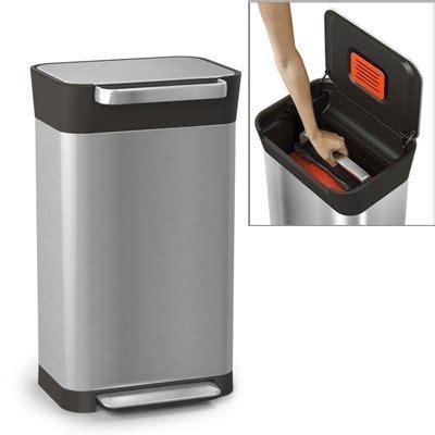 poubelle titan avec compacteur de d 233 chets joseph joseph