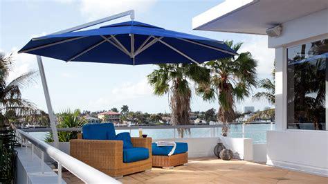 Sonnenschirm Dachterrasse Wind by Patio Umbrella Amalfi Caravita Commercial Patio Umbrellas