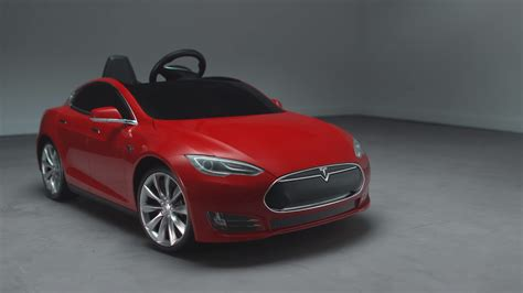 Mini Tesla Model S makes you want to be a kid again