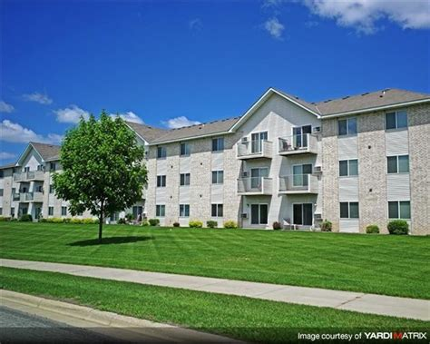 hillcrest appartments hillcrest apartments saint cloud mn apartment finder