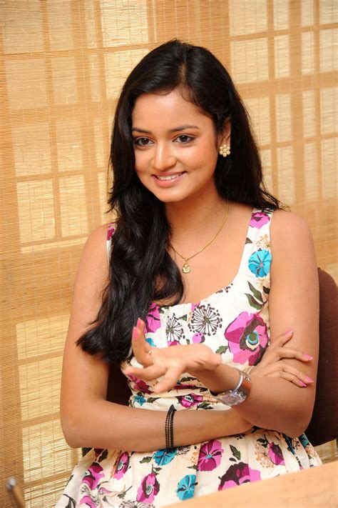 heroine cute photos shanvi lovely heroine cute photos cutefacebuk