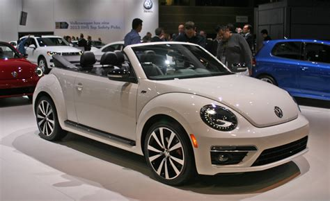 bug volkswagen 2014 2014 volkswagen beetle convertible gets the r line