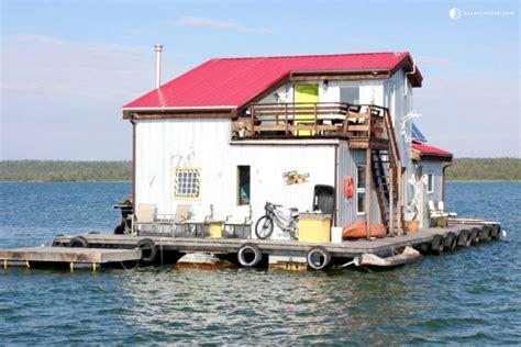 houseboat yellowknife houseboat rental in yellowknife bay