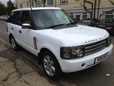 white wrapped range rover car wrapping vehicle wrap branding range