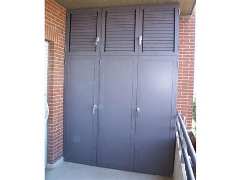 armadi garage armadio per garage migliori idee su armadio a muro scarpa