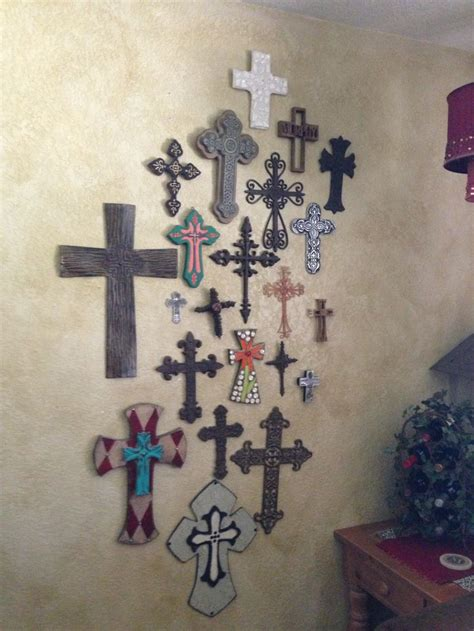 imagenes cruces en canvas best 25 cross wall collage ideas on pinterest rustic