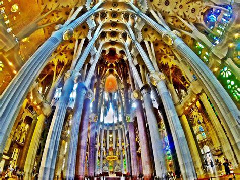 La Sagrada Familia, The Church Nuanced ?Art Deco? in The