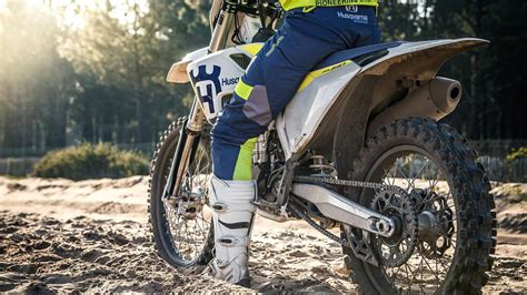 Motorcycle Dealers Wiltshire by Husqvarna Motorcycles At Midwest Racing Wiltshire Uk