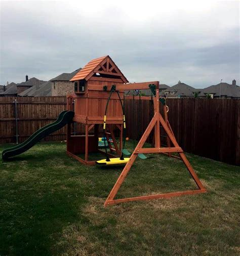 Handmade Home Playhouse - wonderful pallet playhouse your will 101 pallets