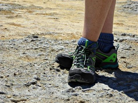 trail running shoes vs hiking boots hiking boots vs running shoes 28 images hiking shoes