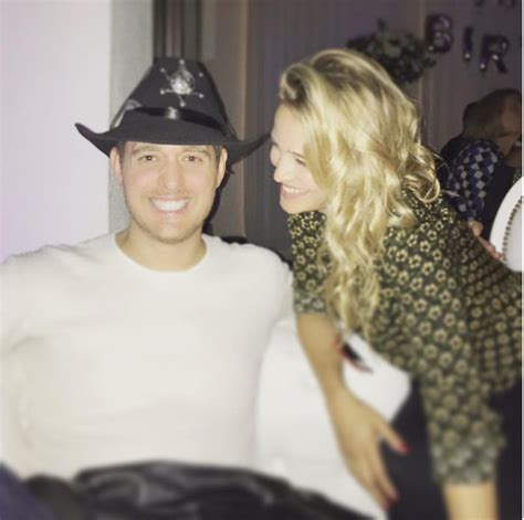michael buble instagram michael buble and luisana lopilato s cute sandwich with