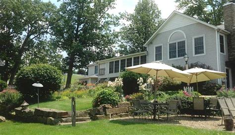 bed and breakfast berlin ohio garden gate get a way b b and cottages ohio amish country