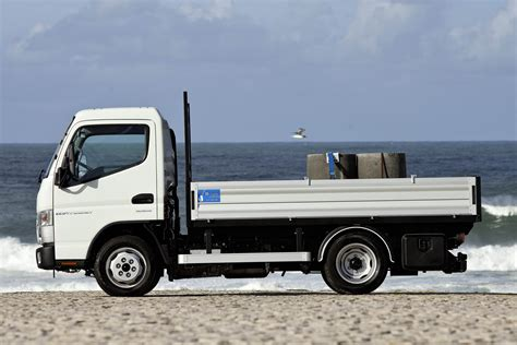 mitsubishi trucks 2014 fuso canter 2014 trucks now with ecofficiency