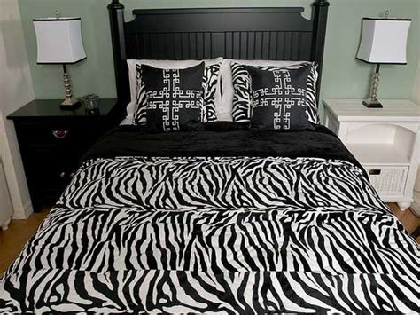 zebra print bedrooms zebra prints and decoration patterns personalizing modern