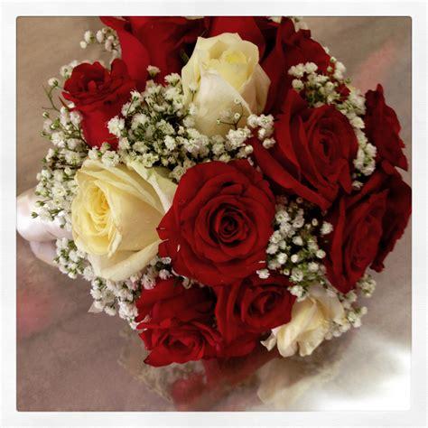 tipo di fiori bouquet da sposa con un tipo di fiore