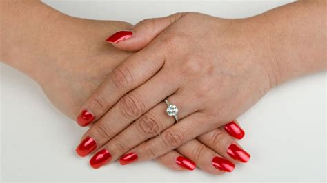 Engagement Rings On The Fingers by What Does An Engagement Ring Go On Estate