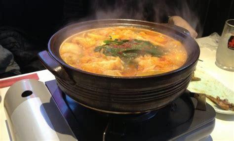 makanan khas jepang masakan ramen  berkuah terkenal