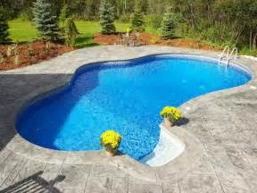 small inground swimming pool with regular design stroovi