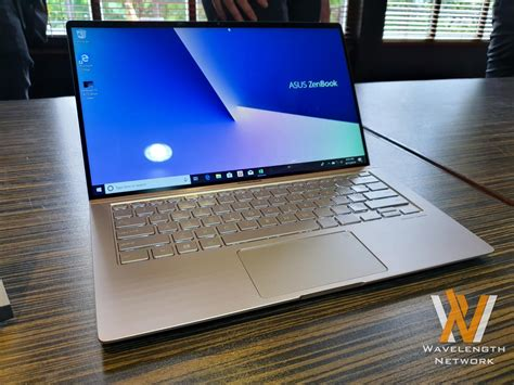 asus shows  zenbook zenbook flip series nasi lemak tech