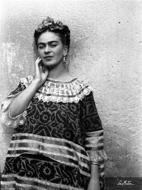 frida kahlo fotographs by leo matiz bologna italy