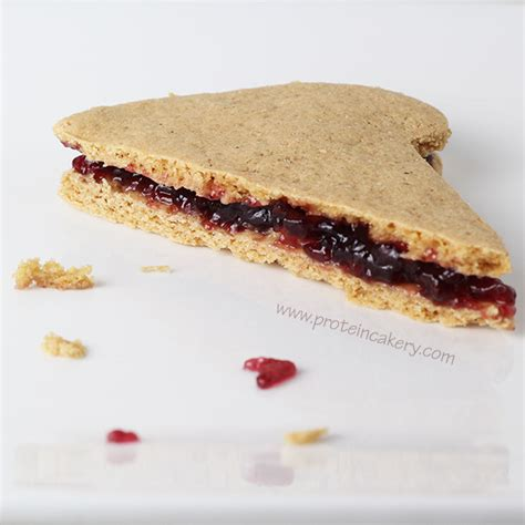 Cloudz Peanut Butter Jelly 60ml quest nutrition peanut butter and jelly cookie sandwiches