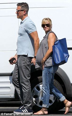 A VERY pregnant Reese Witherspoon steps out for lunch with husband Jim Toth   Daily Mail Online