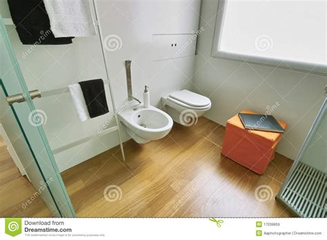 kleine badezimmer entwurfs ideen fotos modernes kleines badezimmer lizenzfreie stockbilder bild